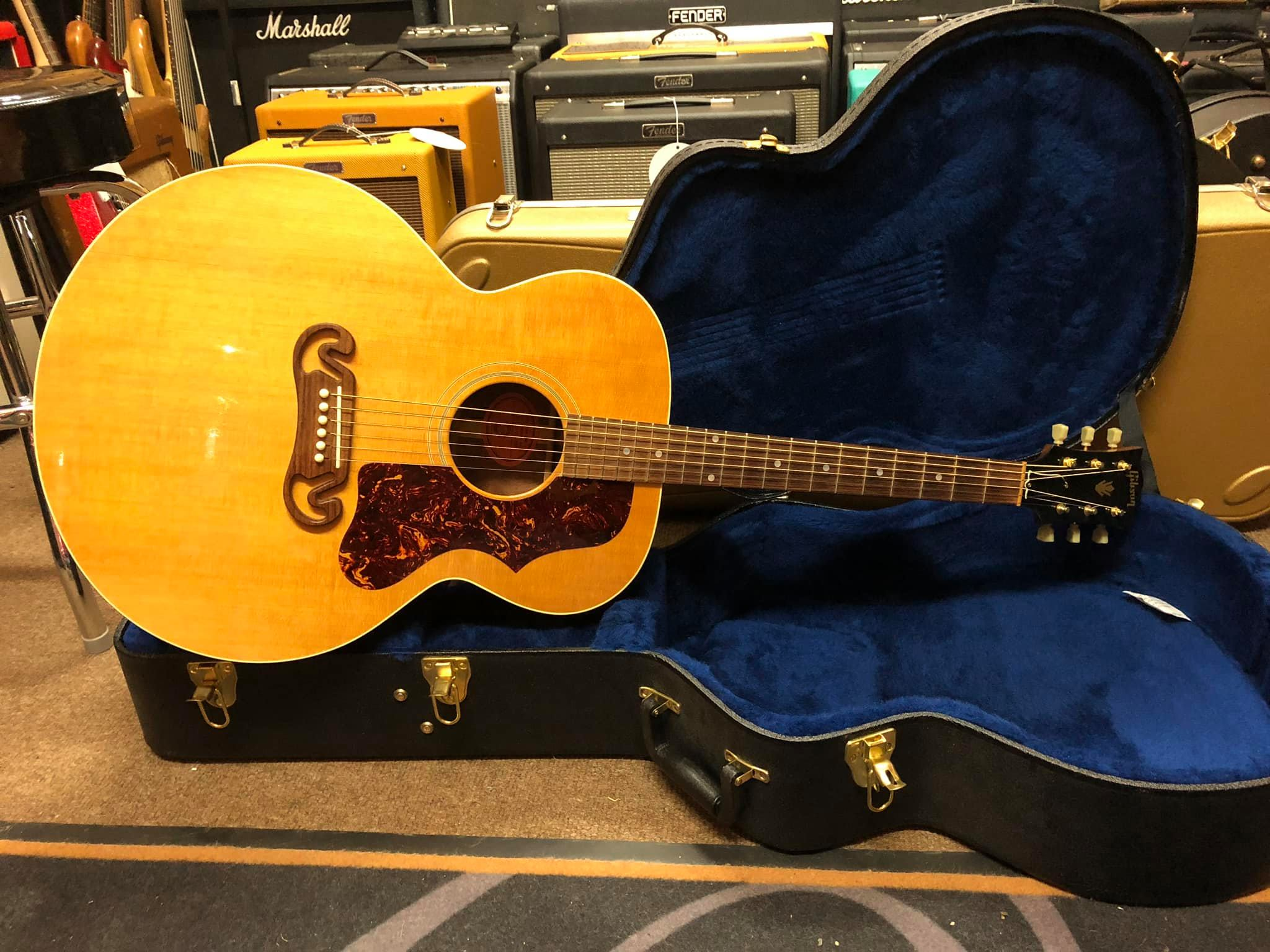 2005 Gibson J100 Xtra