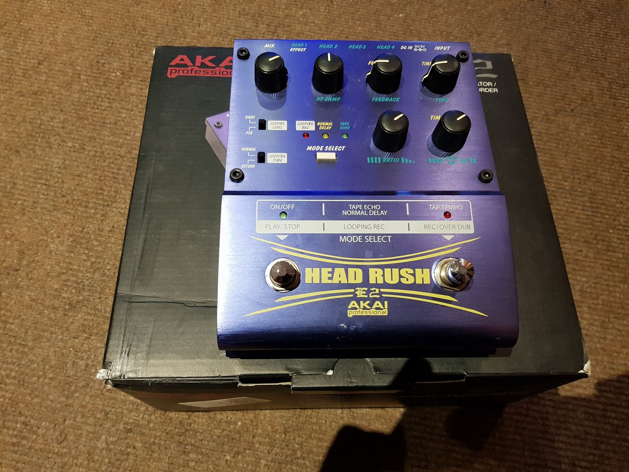 Akai Head Rush E2