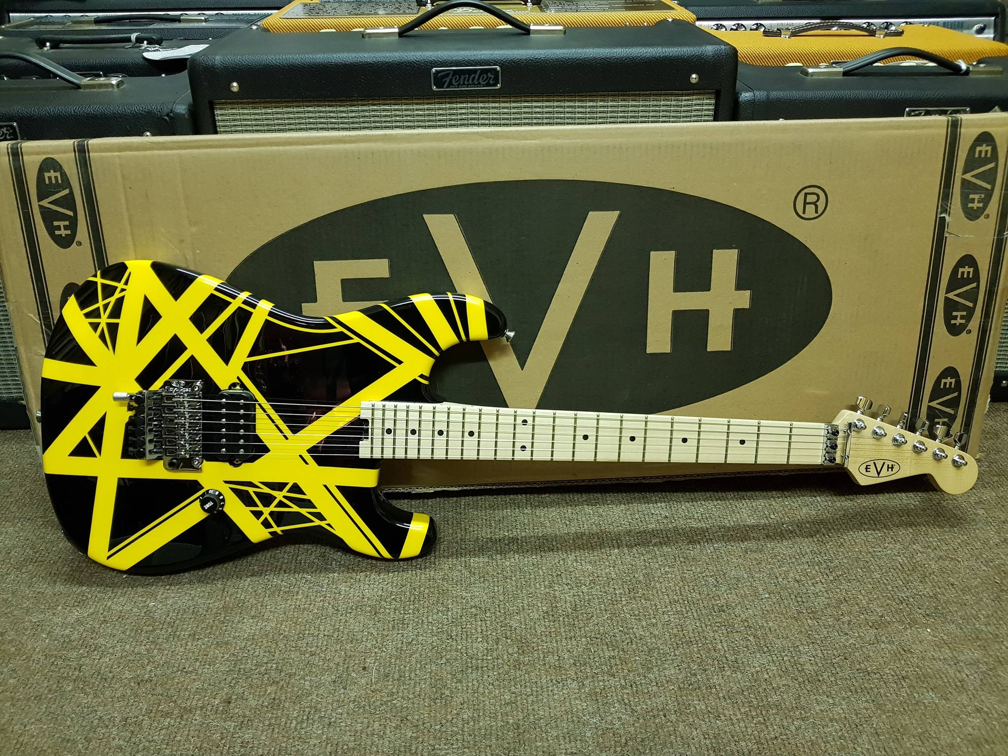 EVH Striped Series - Black