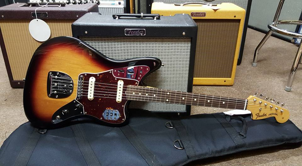 Fender classic player jaguar special jimi 39 s music store for Jaguar house music