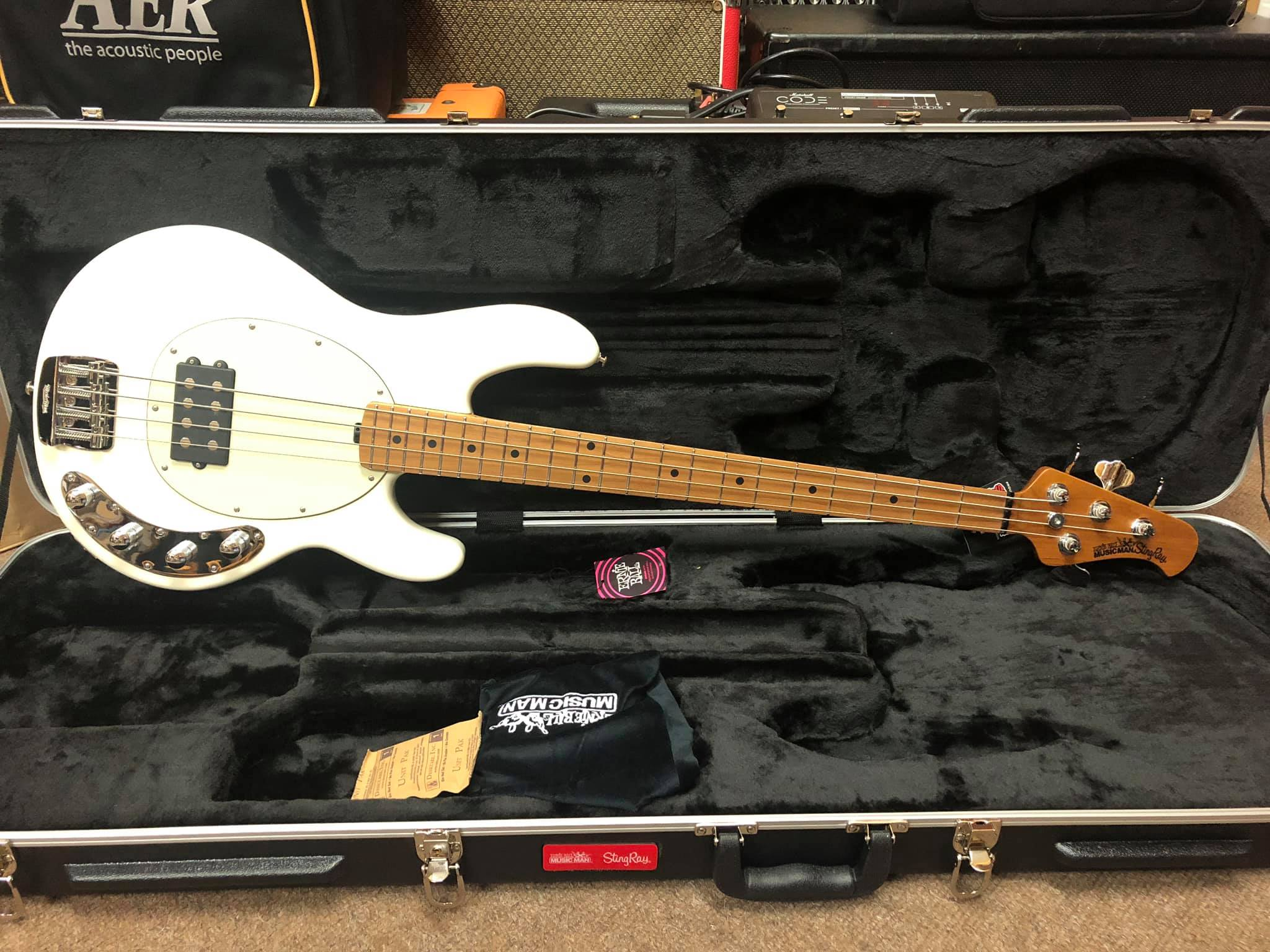 Music Man StingRay Special - Ivory White