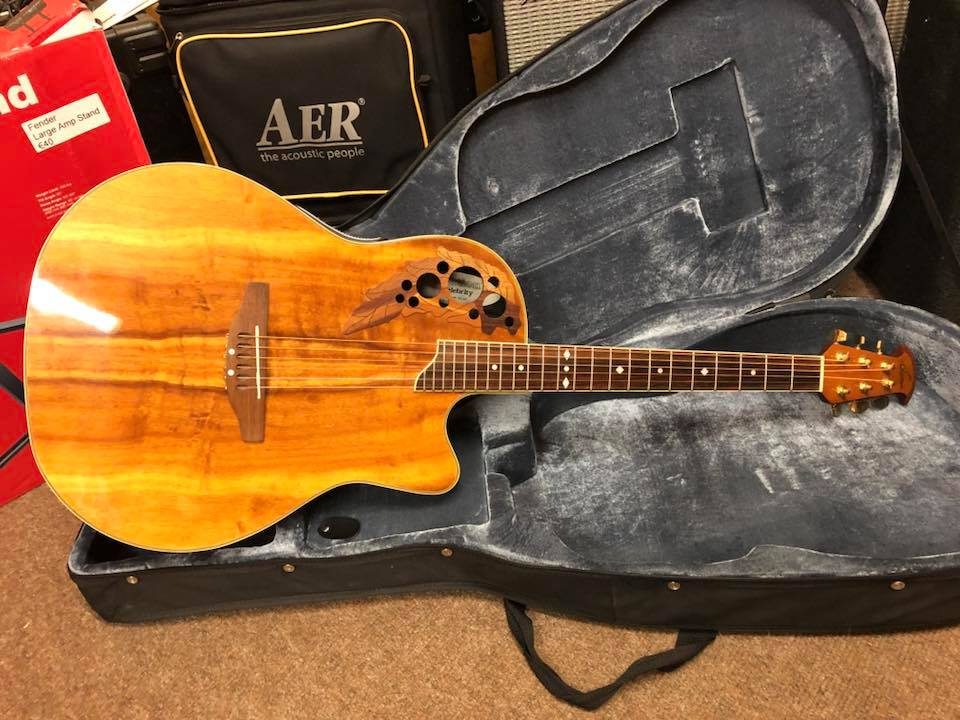 Ovation CS-347 Celebrity Deluxe - Koa