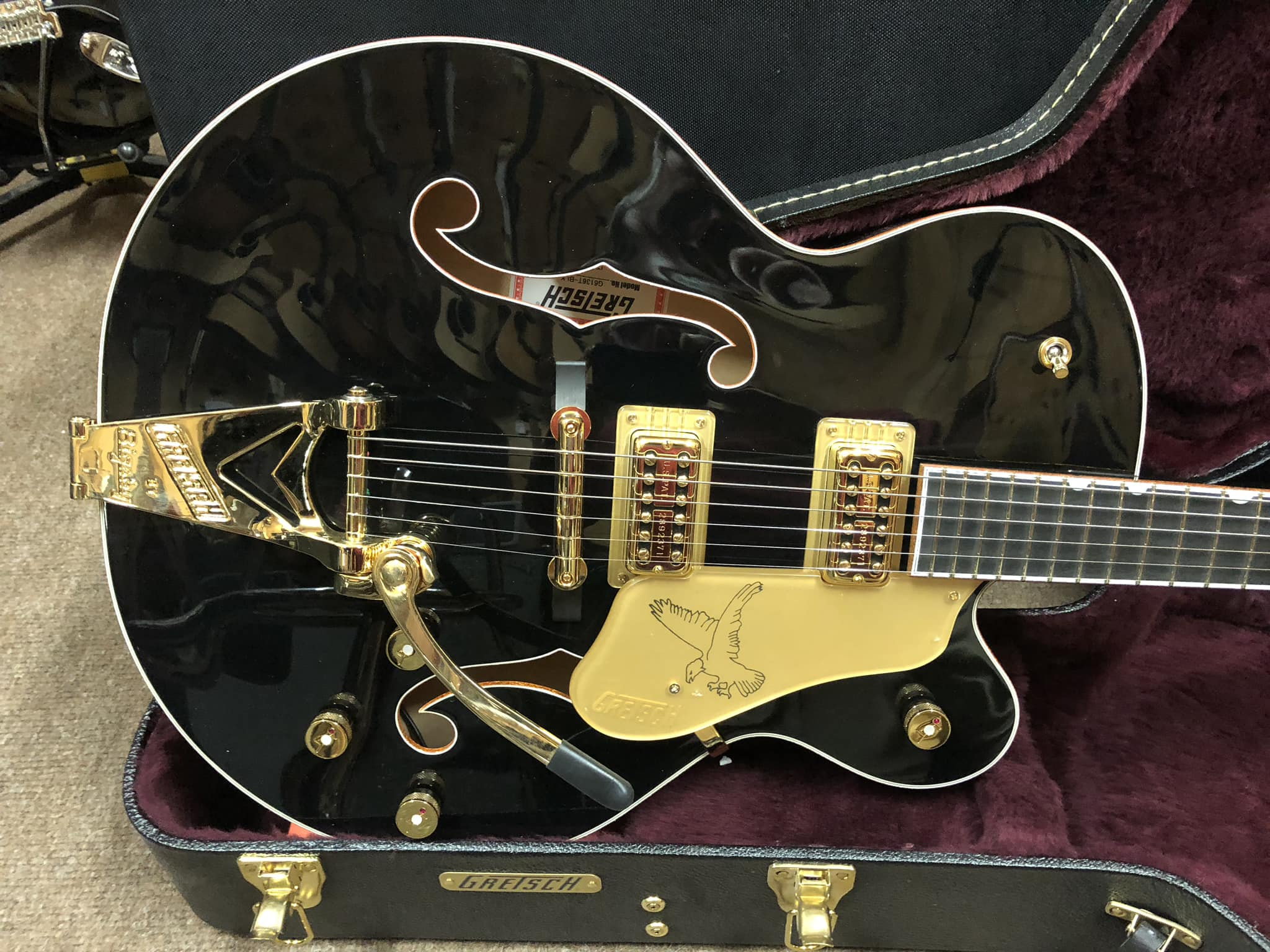 Gretsch G6136T Players Edition Black Falcon